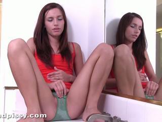 Bescheiden urineren beweging samen samen met mary jane
