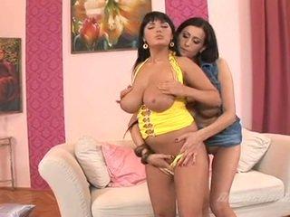 汚い 蜂蜜 官能的な jane receives likewise ホット へ ハンドル indoor とともに 彼女の ボインの lover