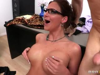 see brunette, pussy fucking, blowjob rated