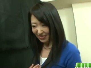Japanisch reift: japanisch reif ehefrau gets gefickt schwer im die spiel.