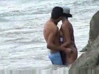 Knull vid beach baecause tänkte nobody was ser video-