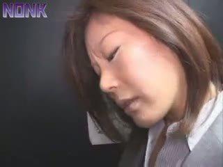 Apreibtas bizness sieviete was viegli prey par elevator maniac