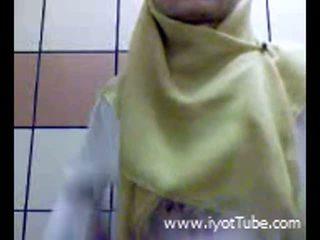 Muslim підліток фінгерінг манда на душ кімната