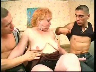 Гаряча бабуся з 2 guys (by edquiss)