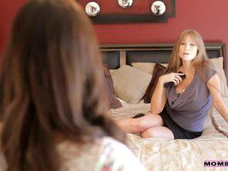 Moms ensinar sexo - mãe teaches stepdaughter alguns novo tricks