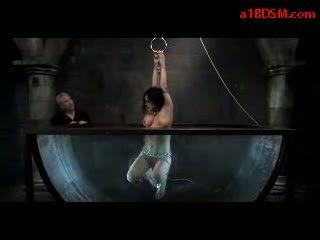 mooi bdsm porno, vol water bondage porno