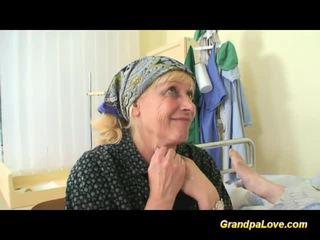 Bunic gagica futand the asistenta