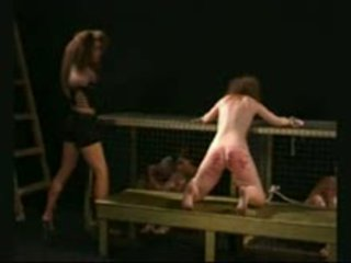 Stubborn مرافقة brutally beaten بواسطة شرير mistresstrixtrix