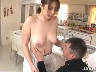 Busty nhật bản does boobjob