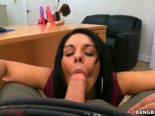 Big ass MILF Bella Reese