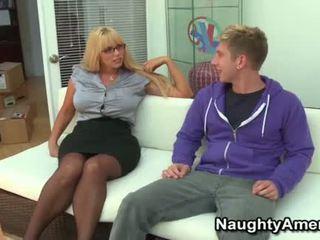 Liels boobies blondīne momma opens plats par jauns dzimumloceklis
