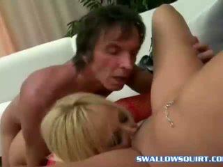 Squirting ポルノスター annie cruz と georgia peach