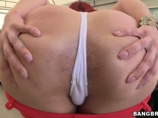 Kelly Divine fucked while booty wiggles