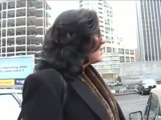Mateur majorette gets facialized