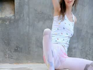 Luxury peening of super gaunt girl