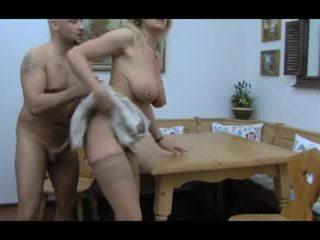 Білявка huge-boobs-granny анал taken