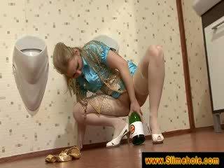 blondie masturbation with a bottle