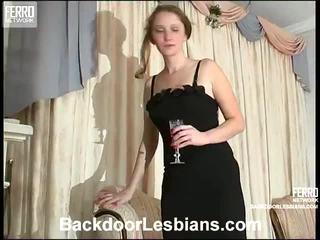 Joanna a irene nemravné anál lezbo episode