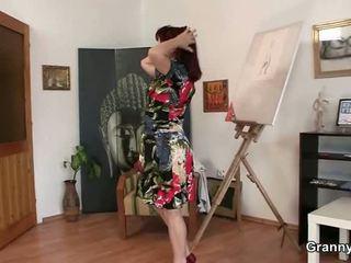 Sleaze donna jumps onto iškrypęs python