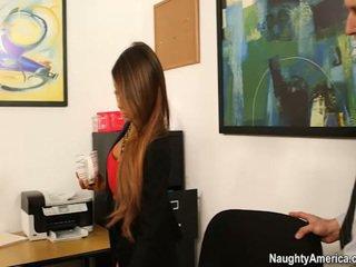 Oustanding jug chief madison ivy receives employee chuối trong cô ấy văn phòng