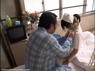 Malam tugas perawat seks orang yang menikmati melihat seks