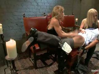 Дама господство и изтезание близо към pegging от dominant blondes dia zerva и felony