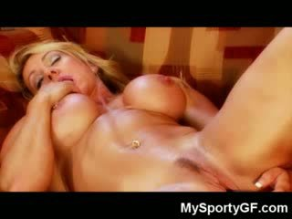 Muscle gagica dildoing se!