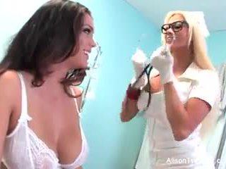 Aneh perawat nikita tries untuk menyembuhkan alison