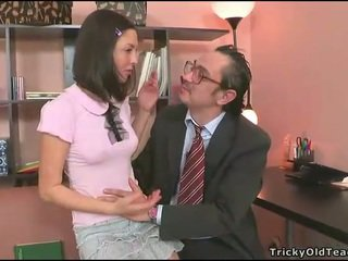 Teacher tasting a chaste cunt