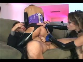 Kinky threesome in latex stockings and gloves