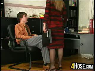 Ruský matka fucked podle syn v zákon
