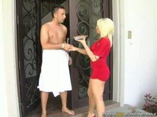 Блондин helping її сусід відео