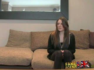 Fakeagentuk posh 年輕 英國的 女孩 gets 肛門 體內射精 鑄件