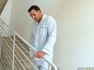 Seksi milf dr aletta ocean gets kacau dan jizzed di pekerjaan video