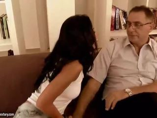 een brunette video-, hardcore sex porno, controleren orale seks klem