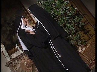 Λεσβιακό nuns γλείψιμο κάθε άλλος