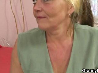 Old blondinka honey has pounded