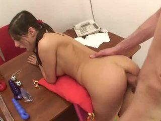 Pisikene teismeline anaal 2