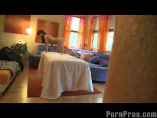 Capri cavalli getting оргазм на масаж стіл