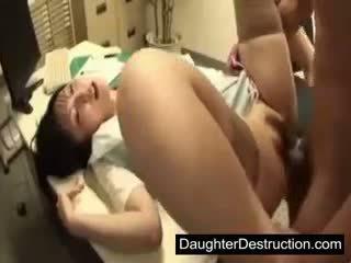 Mladý japonská japonská dcera zneužívání