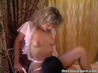 Pedicure und lesbisch muschi lecken