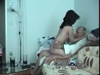 Immature indisk nymph ikke langt fra eldret bf