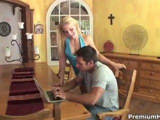 kijken hardcore sex mov, paardrijden, online rondborstige blonde katya