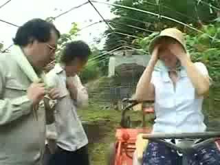 Asiatiskapojke by kvinna gets misshandlade video-