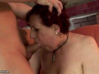 Hyvin rasva mummo getting perseestä kova