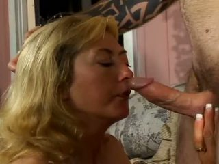 Porner premium: stiff unge boner bashing enorm pupper frekk milf