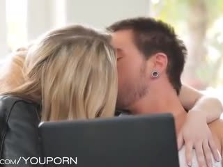 Babes - abigaile johnson- πέρα expectations