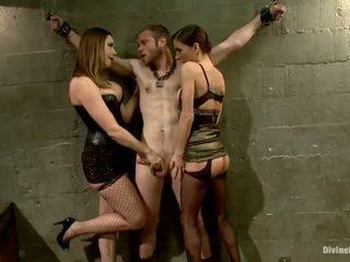 Oustanding meat লাঠি dude dominated মধ্যে dame অত্যাচার এবং pegging অভিনয় দ্বারা 3 nymphs