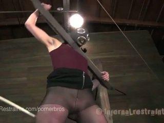 online brunette, plezier fucking machine scène, plezier plassen film