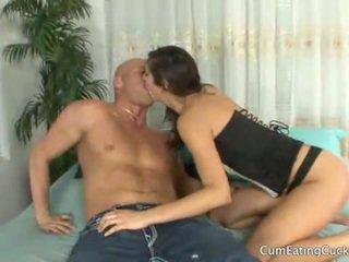 Annas vyras licks jos lovers sperma nuo jos veidas